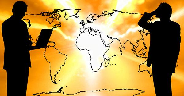 世界地図と人