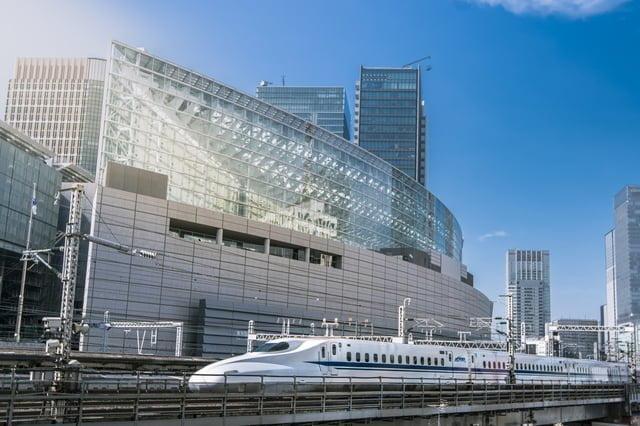 ビルと新幹線